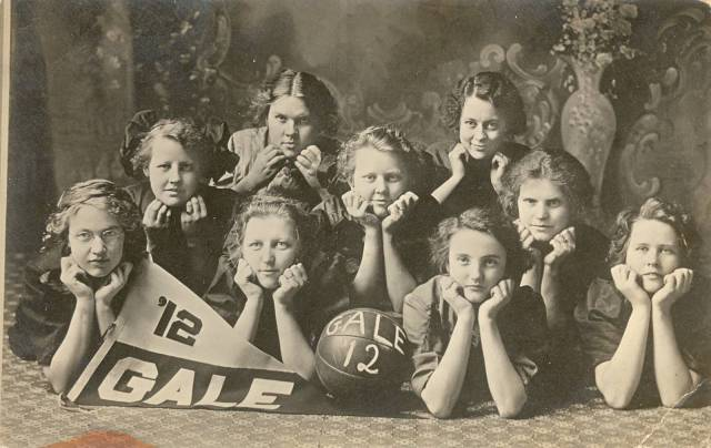 Gale C 1912 BB team Valborg