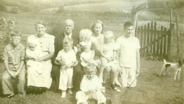 Borreson cousins 1942 summer